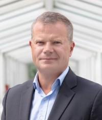 <b>Jean-Raoul</b> de Gélis a effectué l'ensemble de sa carrière dans le secteur des ... - DG_Sony_Mobile